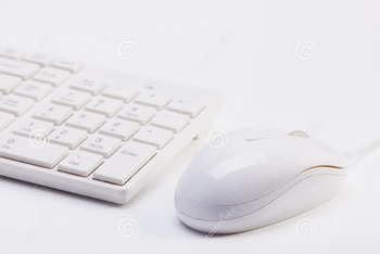 close-up-white-wireless-keyboard-wired-mouse-shallow-depth-field-32309303 Silicon.PK
